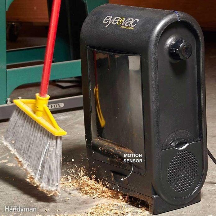 Dust vacuum