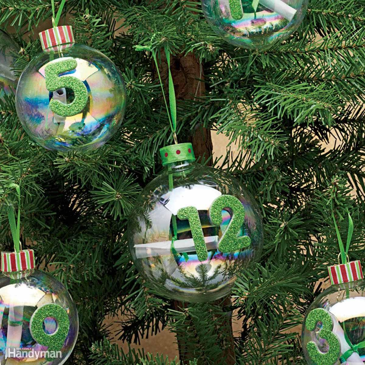 Simple Christmas Tree Decorations: Advent Treasure Hunt
