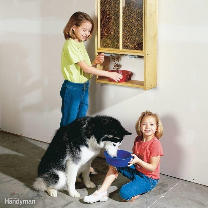 Neat and Tidy Pet Food Dispenser
