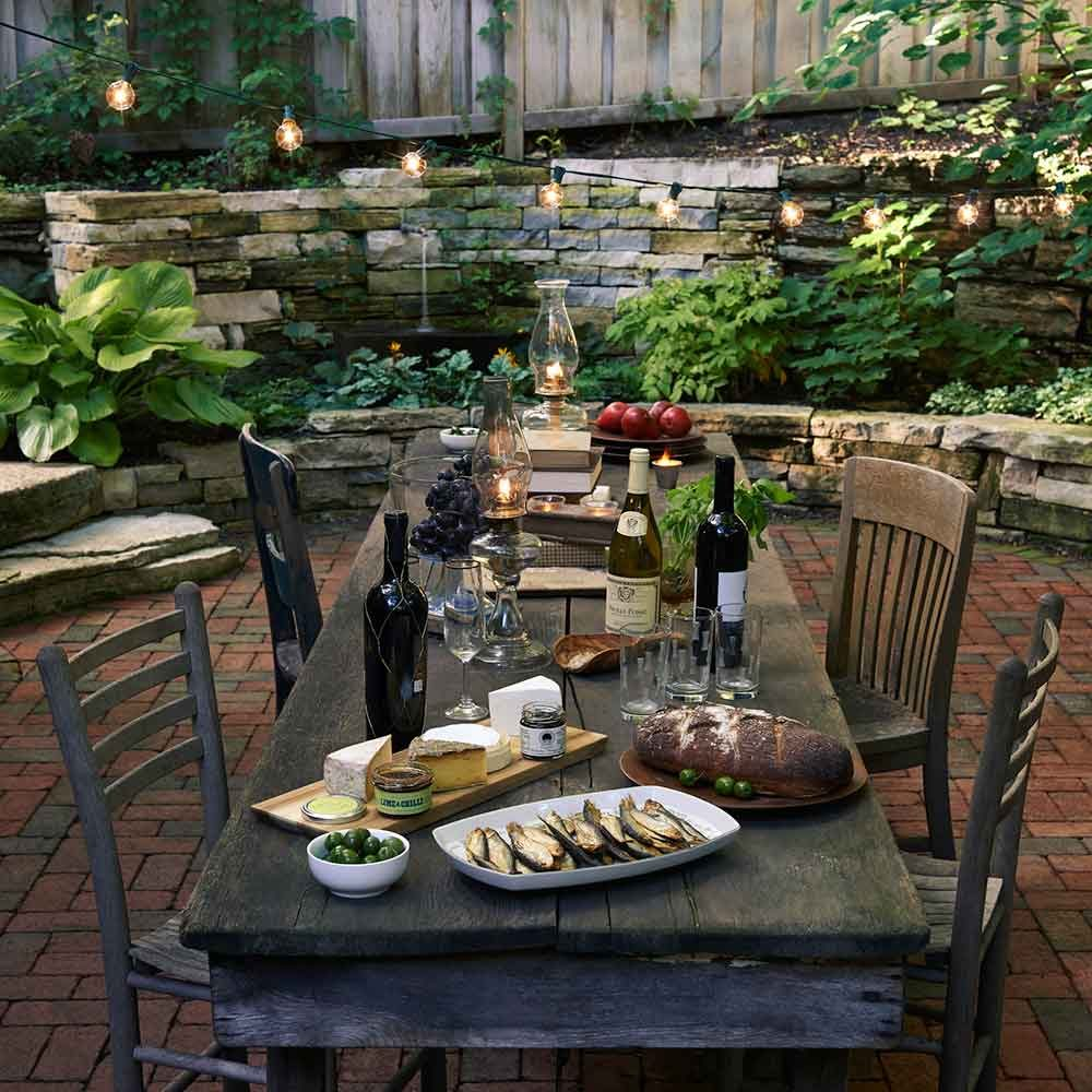 Outdoor Dining: A Must for Backyard Hardscape Design
