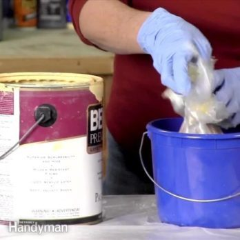Use a Plastic Liner to Keep a Clean Paint Bucket