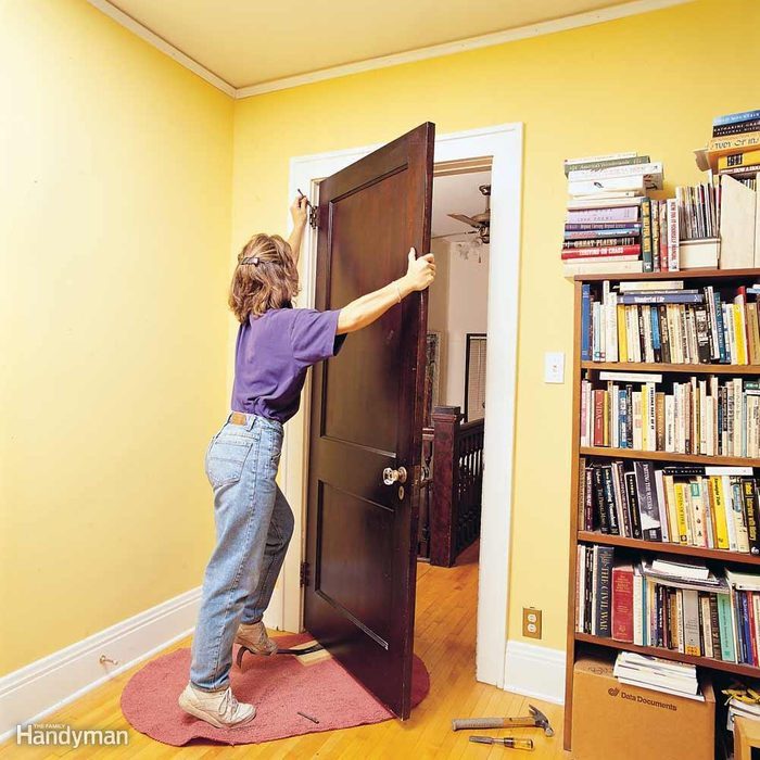 Heavy-Door Hanging Tip