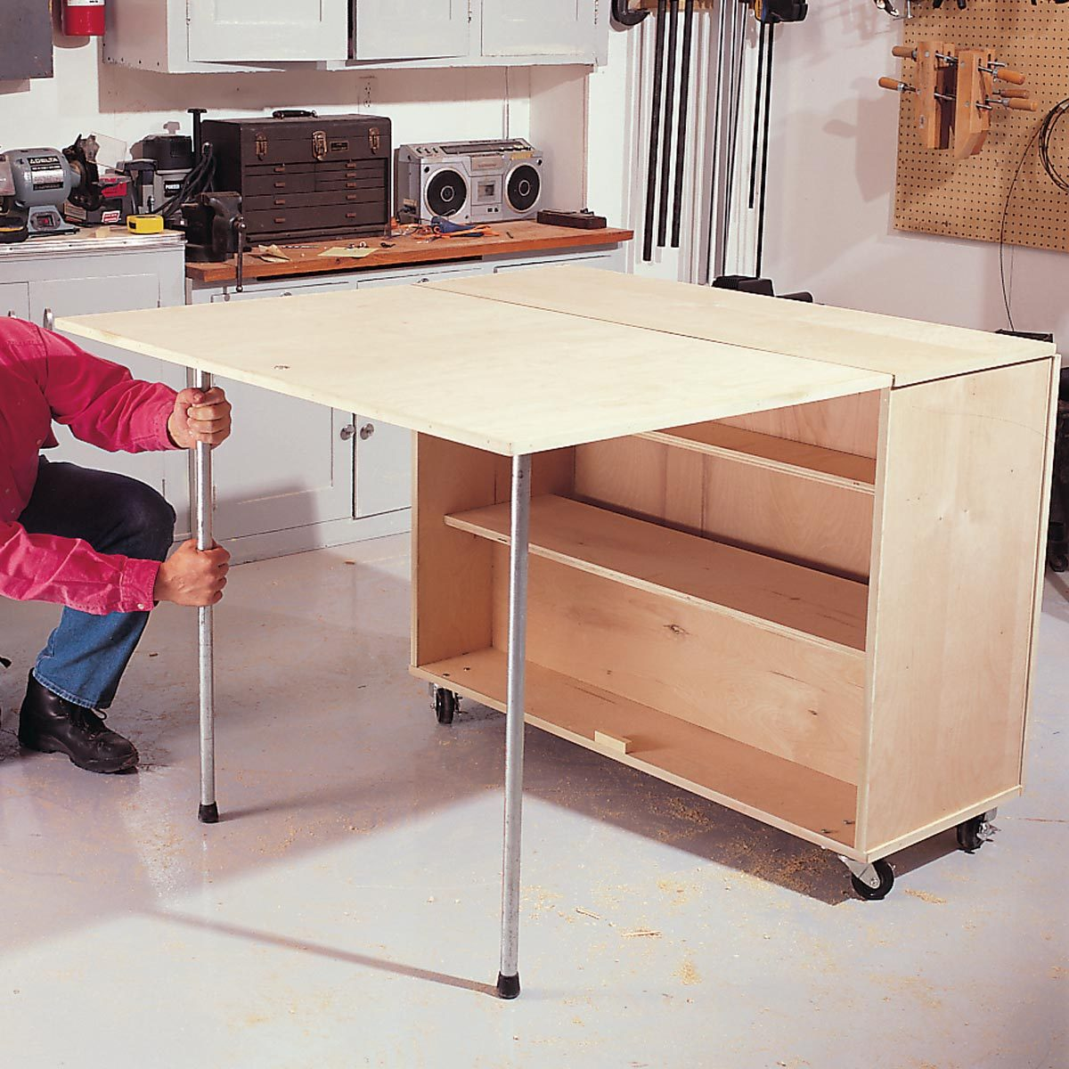 thread on legs folding workbench