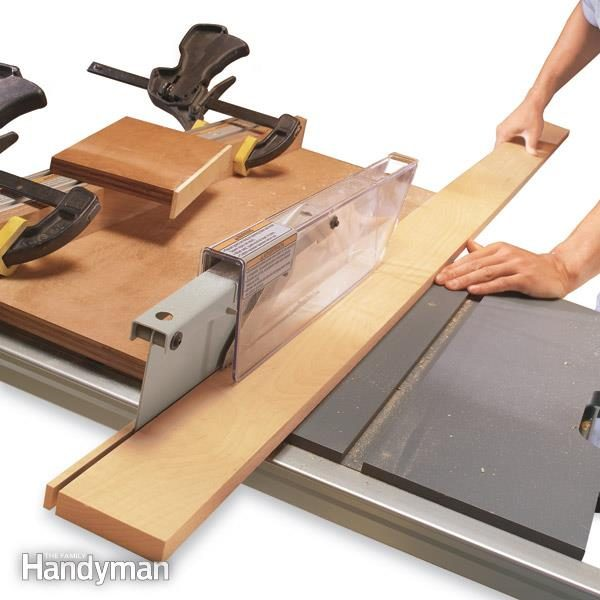 How to use a table saw ripping boards safely family handyman fh03djaripsaf01 3 almost all table saw greentooth Images