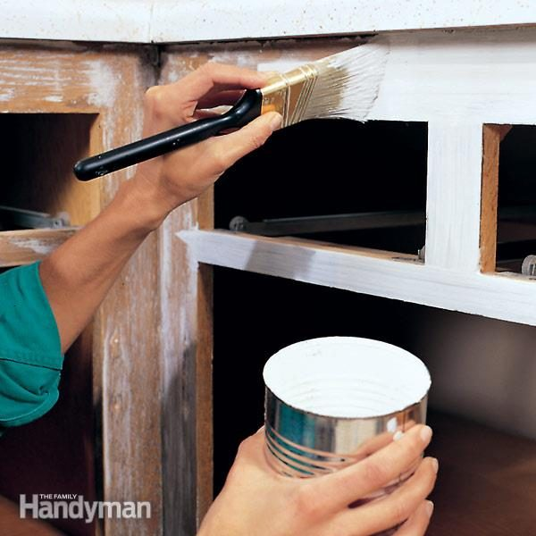 tips for painting kitchen cabinets diy kitchen cabinets   the family handyman  rh   familyhandyman com