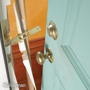 FH04SEP_ENTDOR_04-2 door security secure doors