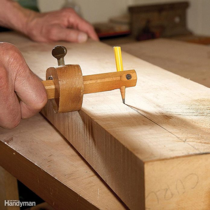 Marking gauge with pencil