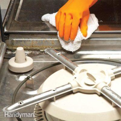 FH10NOV_STINKD_04-3 dishwasher smells