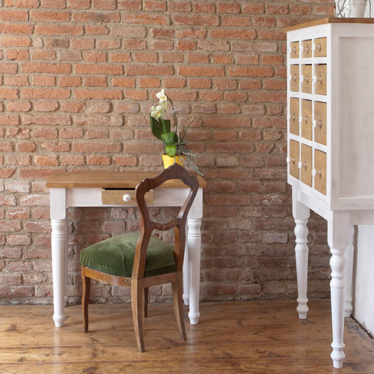 Farmhouse Look: Painted Furniture