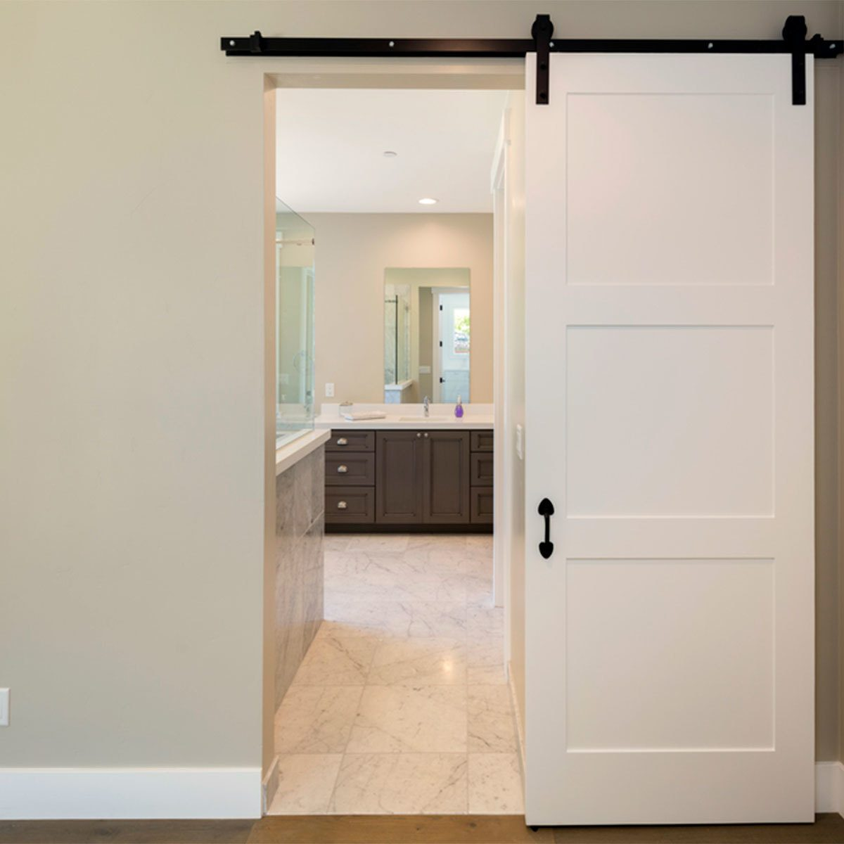 Farmhouse Look: Sliding Barn Doors