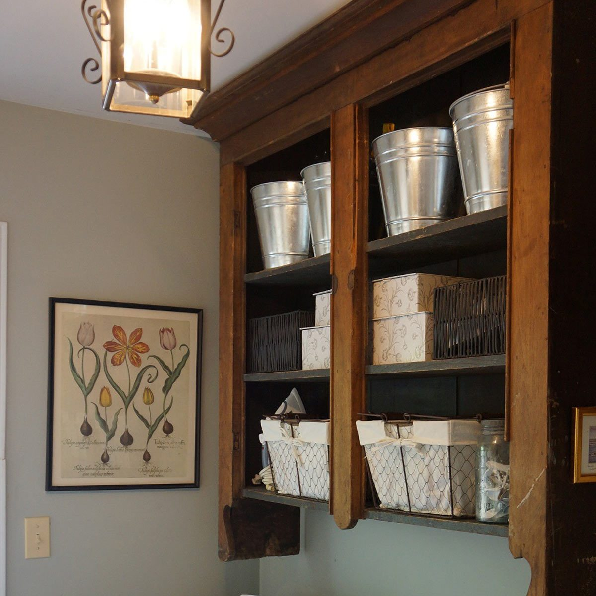 Farmhouse Look: Open Shelving