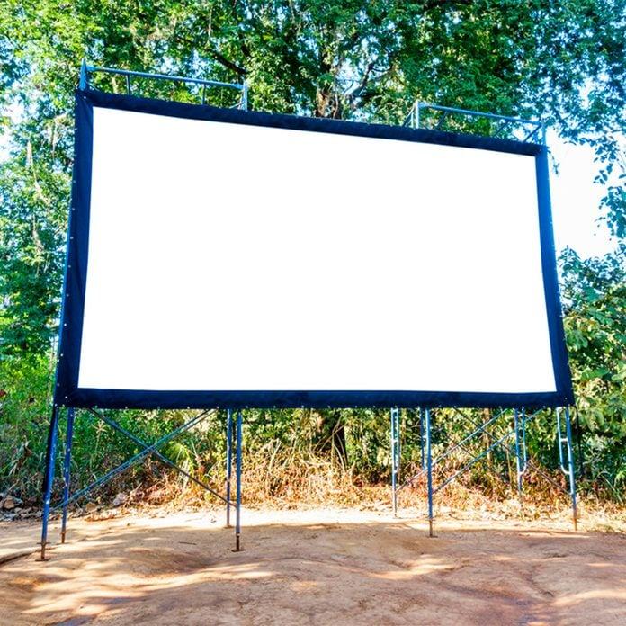 DIY Outdoor Movie Screen