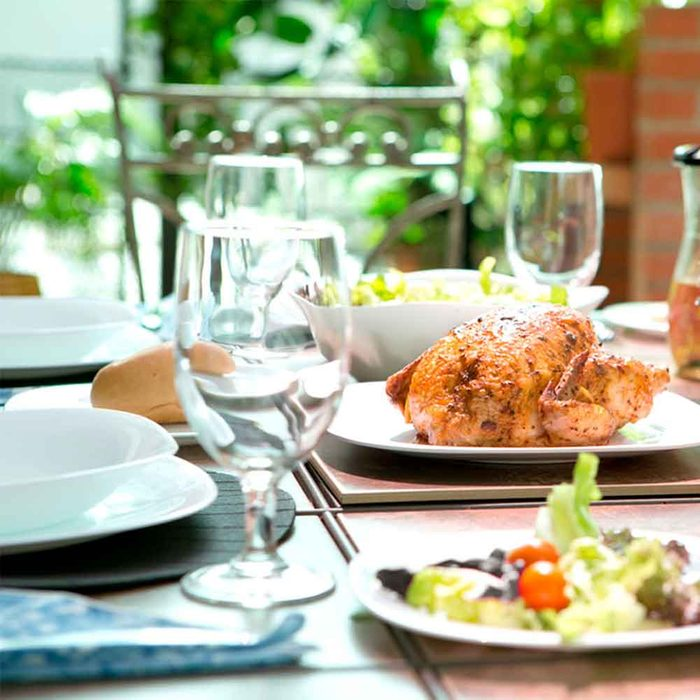 Find Attractive, Durable Outdoor Dinnerware