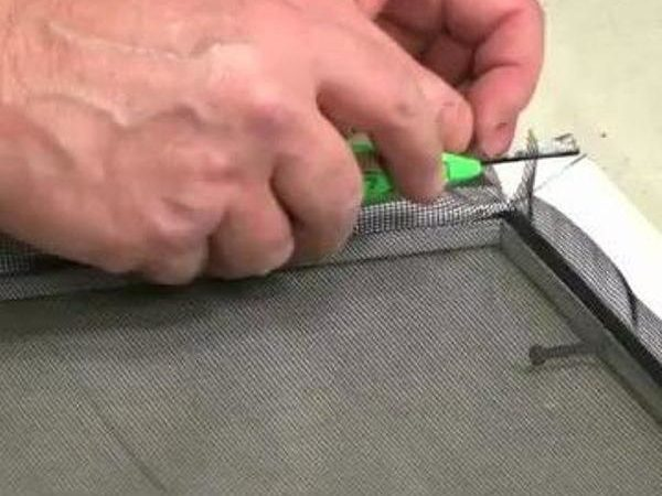 517479527_How_to_Replace_a_Door_or_Window_Screen-2