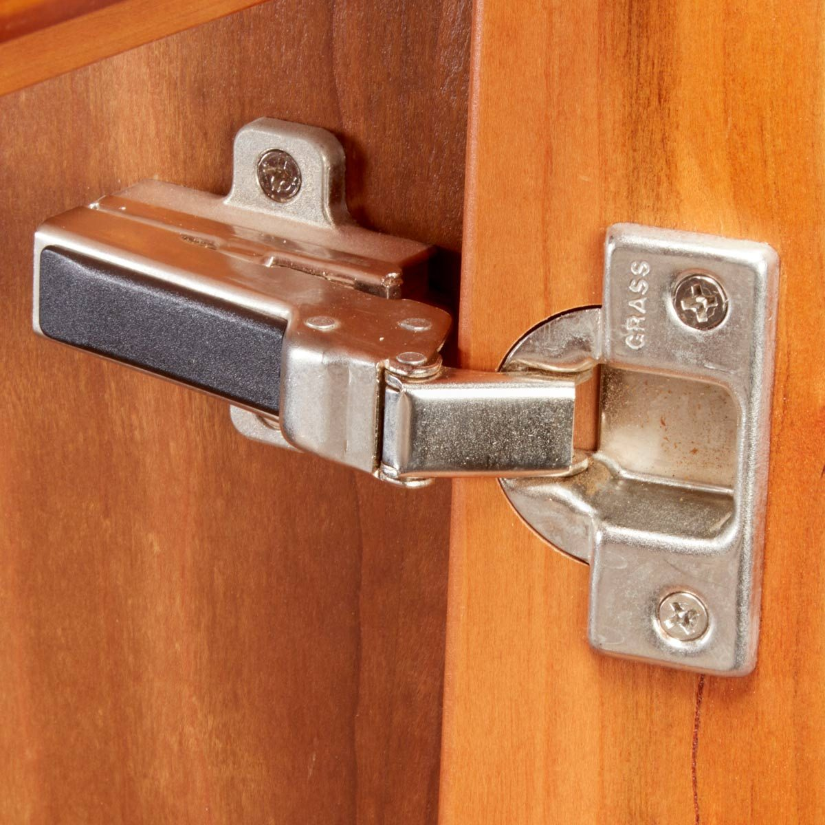 Choosing the Right Hinge
