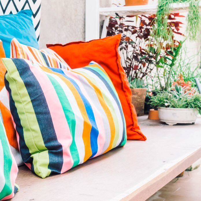 outdoor pillows accessories