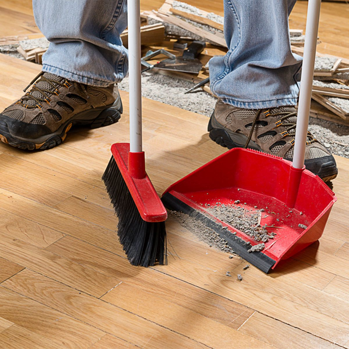 sweep clean up dust