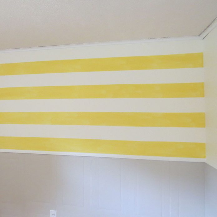 gingham wall horizontal stripes