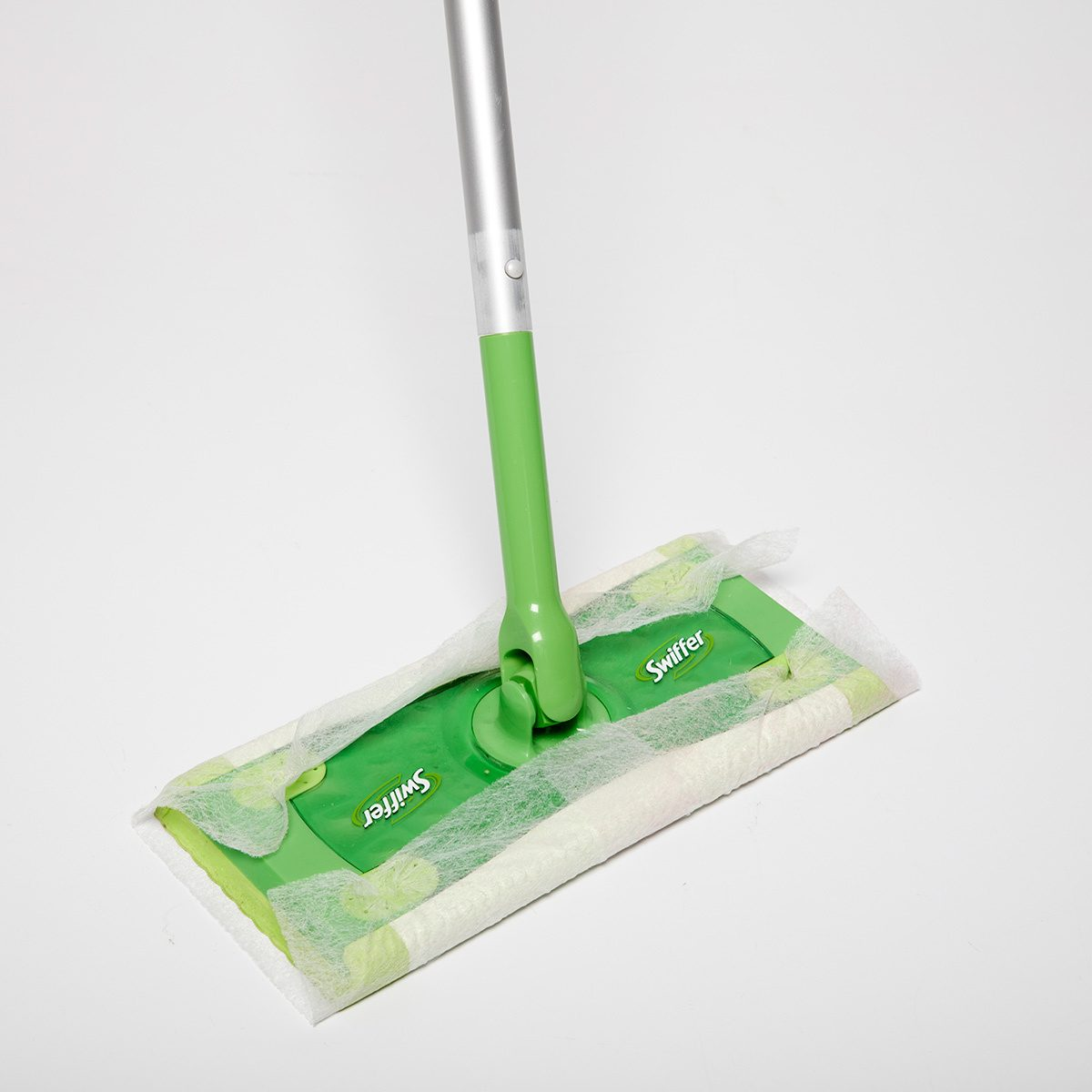 swiffer dryer sheet cleaner
