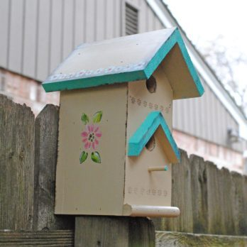 Tole Painting a Birdhouse Brings Garden Charm