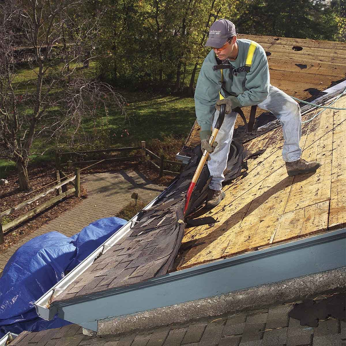 Tear off a roof shingles yourself