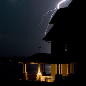 Storm damage, homeowners insurance, and finding a good repair contractor
