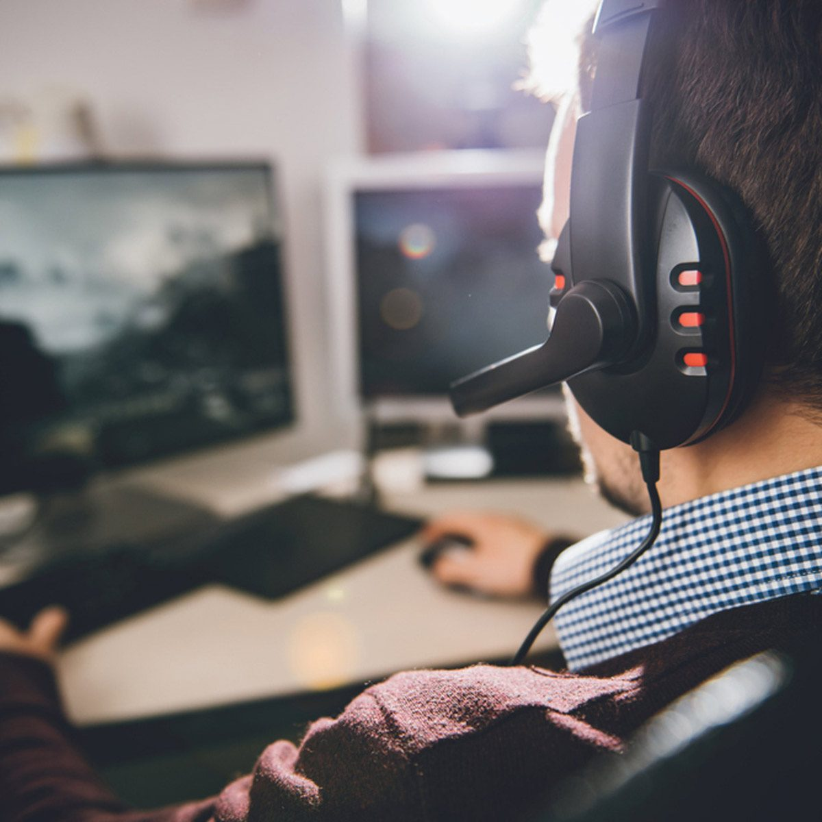 gamer gaming headphones computer video games