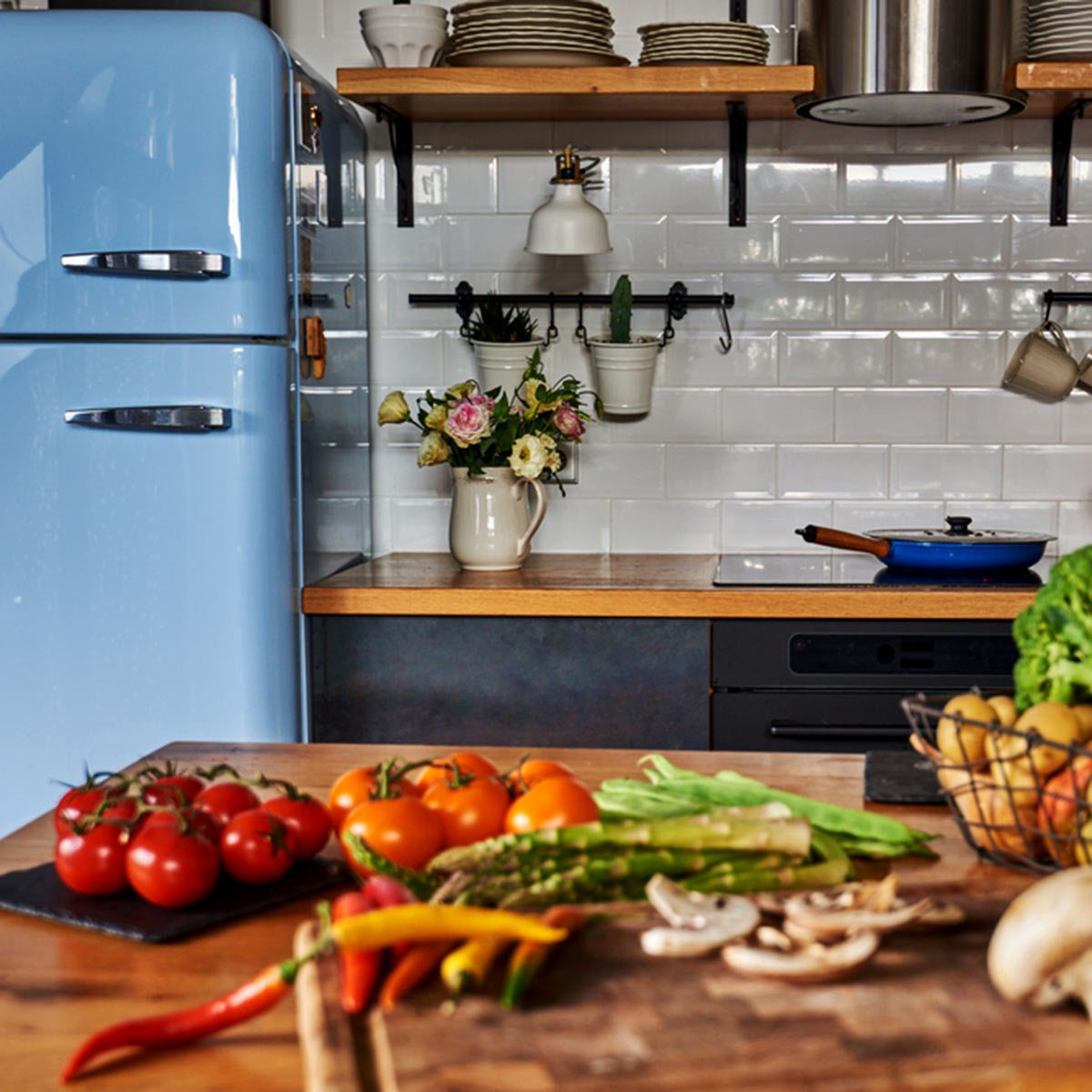 Kitchen Paint Schemes: Colorful Appliances