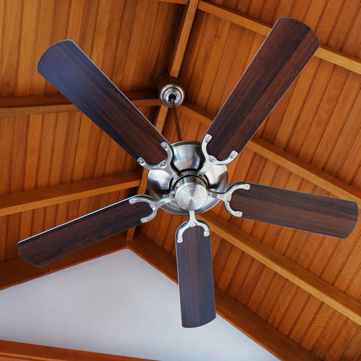 ceiling fan with wood ceilings beams