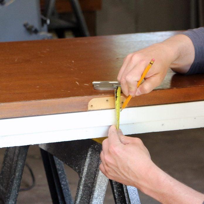 measure hinge distance from edge of door