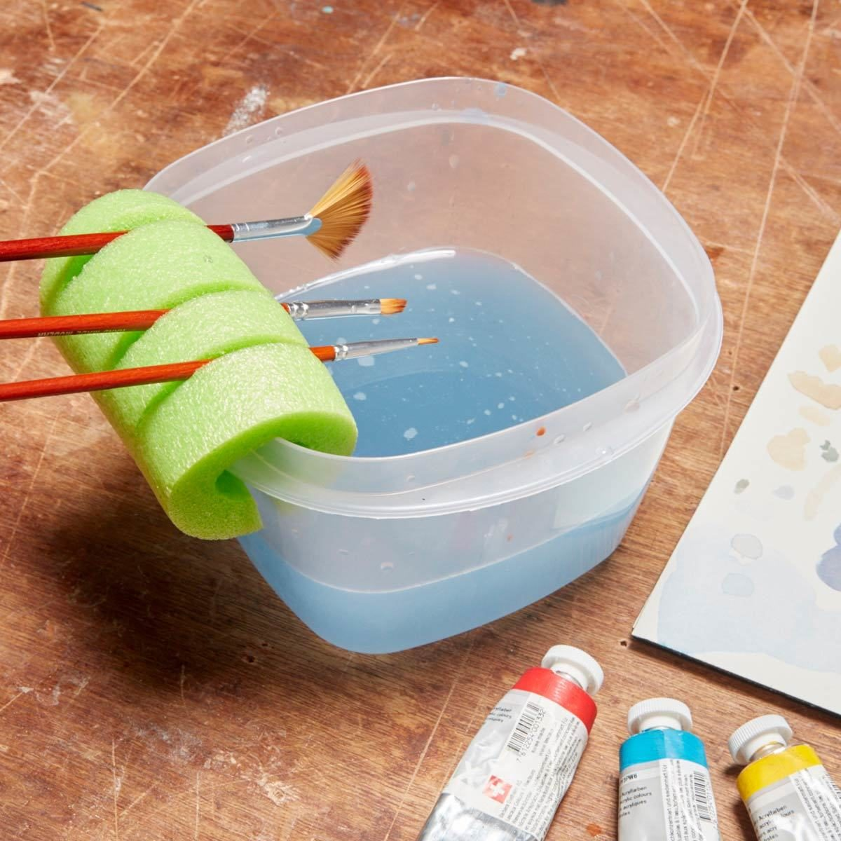 Nifty Paintbrush Holder