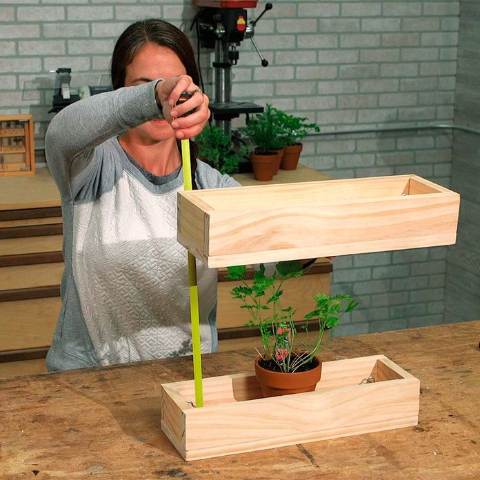 measure height of herb planter boxes for chains