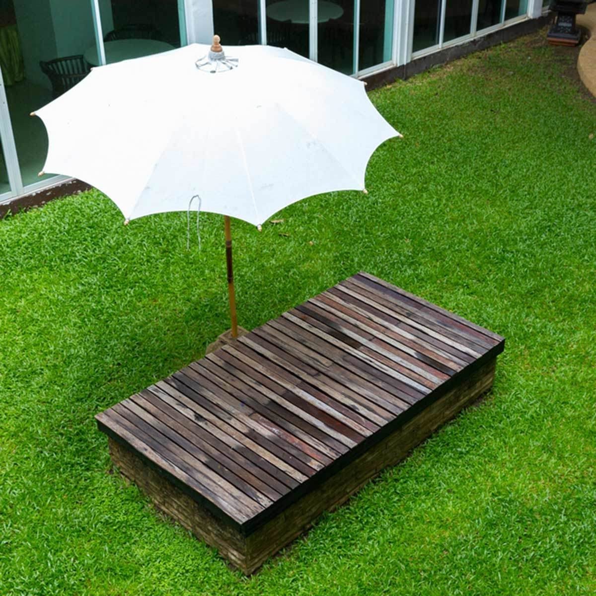 Use Freestanding Umbrellas for Mobile Shade