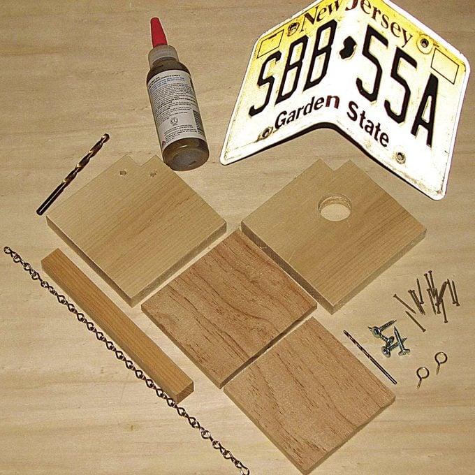 license plate birdhouse materials
