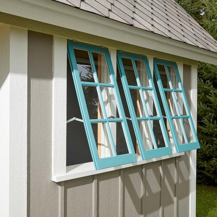 FH17JAU_580_00_073 pub shed barn sash windows