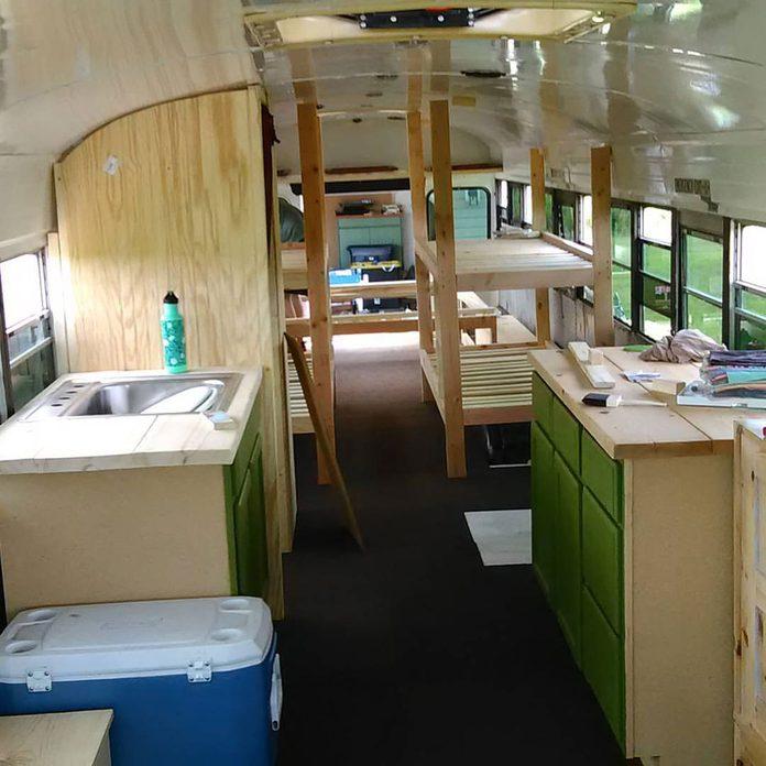 Viggo the Apothecary Bus