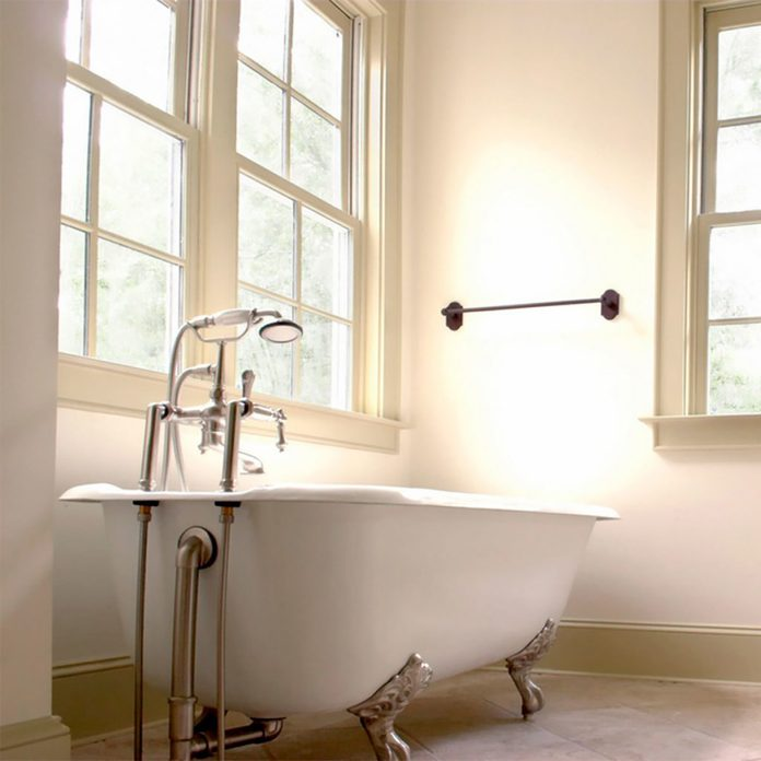 dfh17jun004-12-shutterstock_8570188 bathroom with clawfoot tub bathtubs