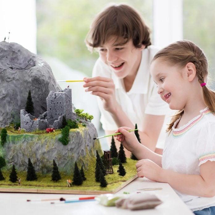 dfh17sep016_626606723 spray foam craft art project children miniature medieval mountain
