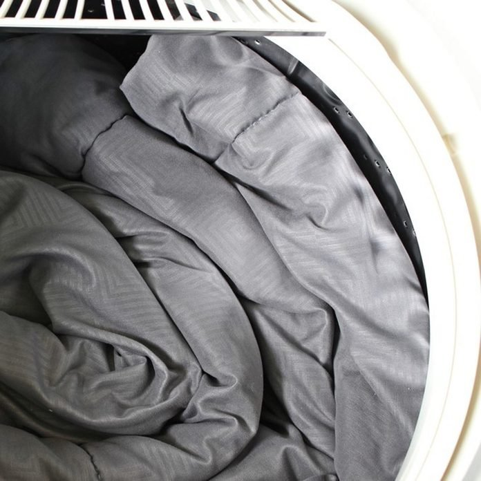 dfh17sep026_650566540_12 washing bedding