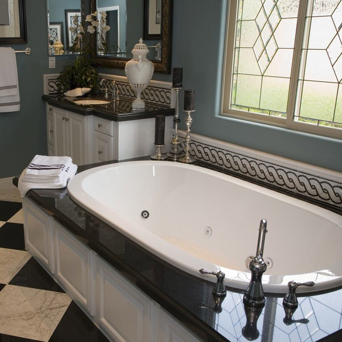 13 tile tips for better bathroom tile the family handyman. Black Bedroom Furniture Sets. Home Design Ideas