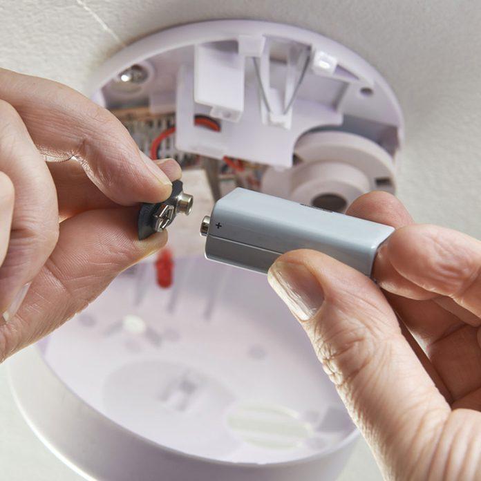 Checking smoke detector