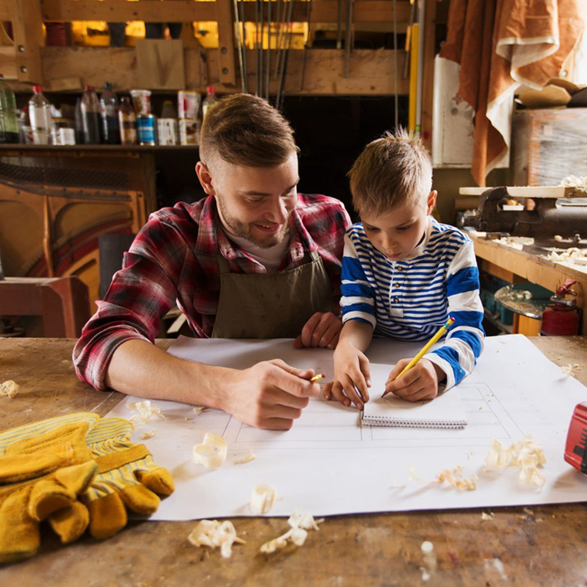 shutterstock_454893235-1200x1200 teaching a kid son how to diy draw