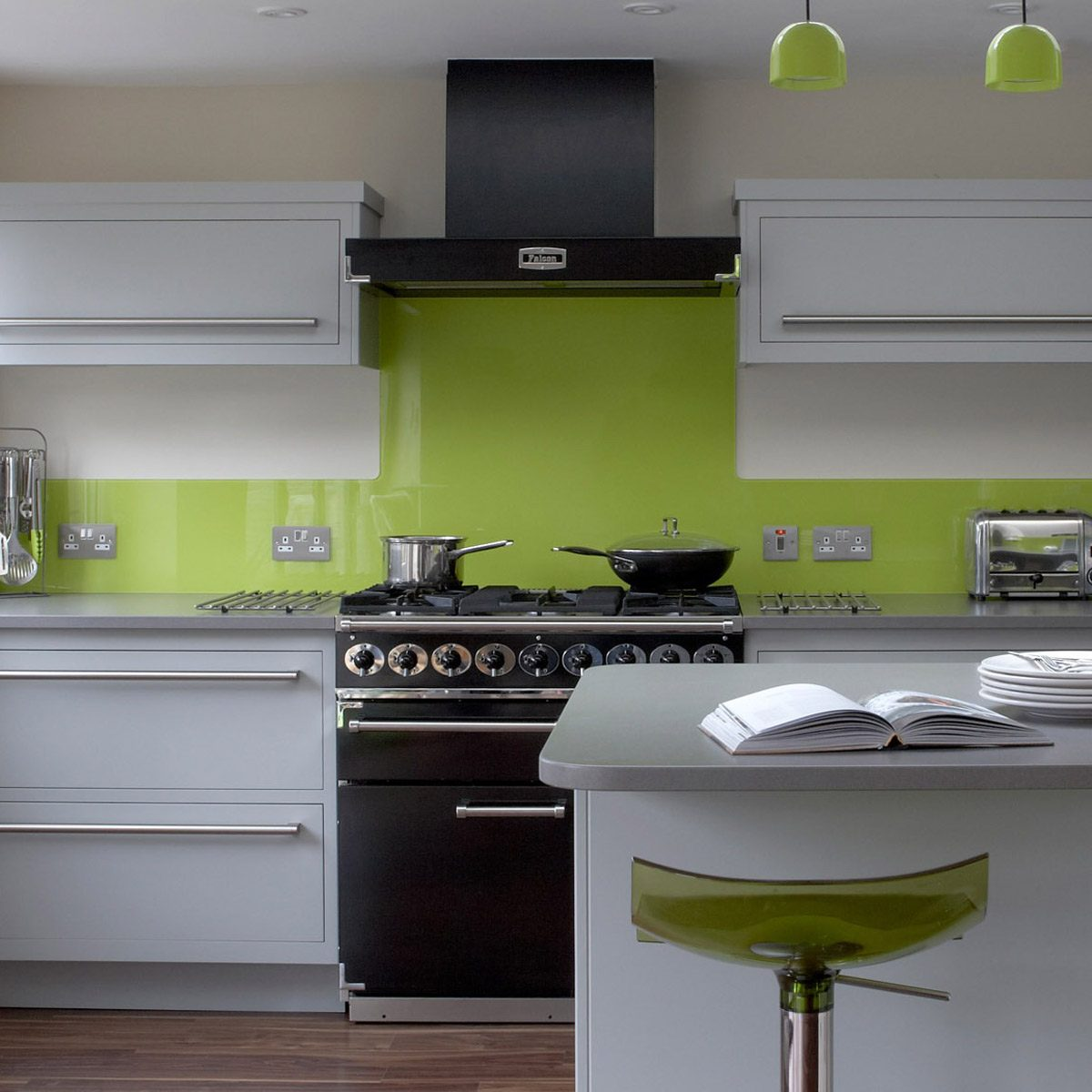 12 kitchen color trends that are hot right now the family handyman - Suitable colors kitchen energy ...