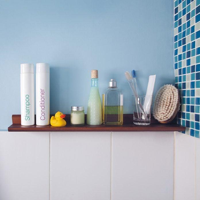 17oct922018_435494488_06- bathroom wall color powder blue shampoo conditioner toiletries