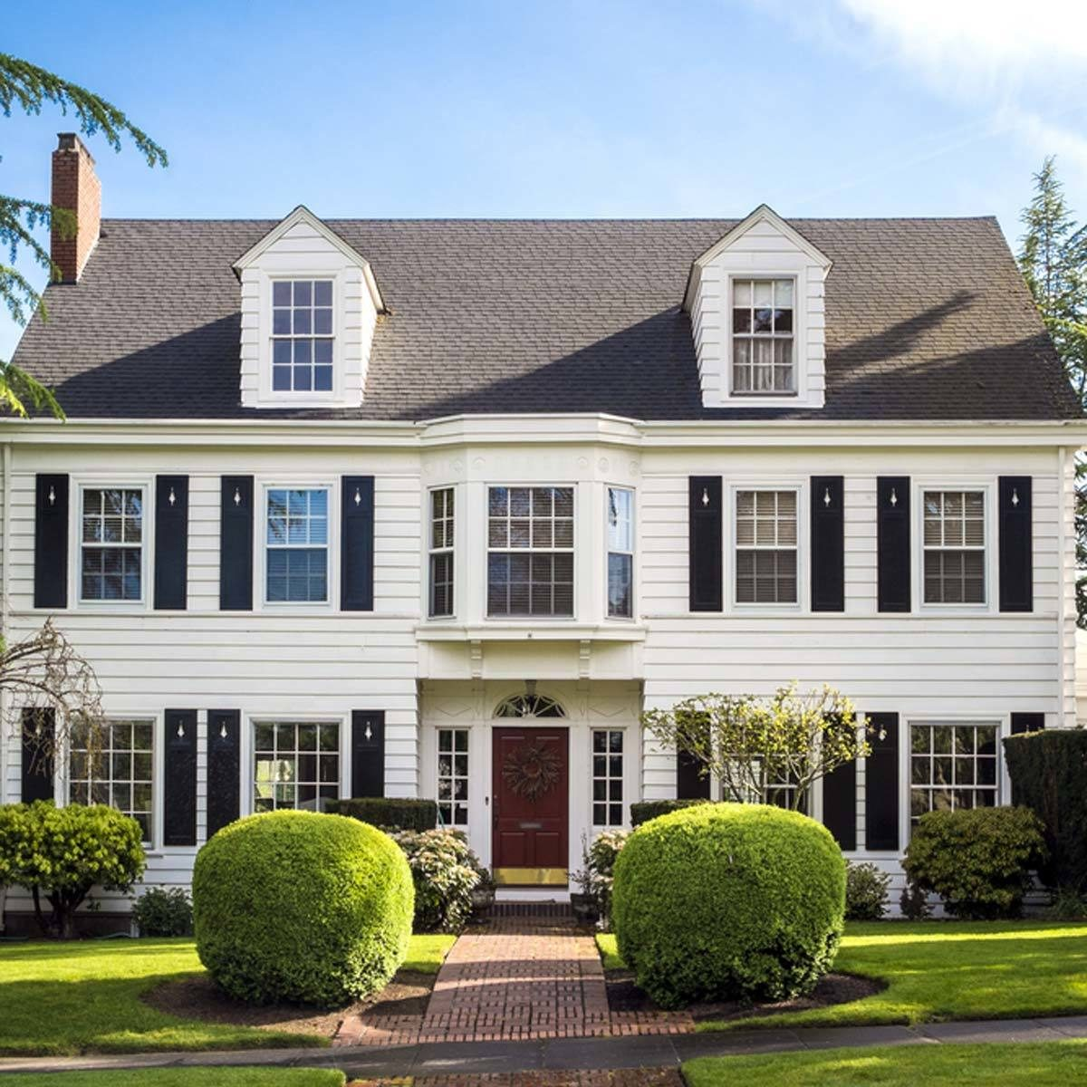 12 trending home exterior colors the family handyman for Siding for homes colors