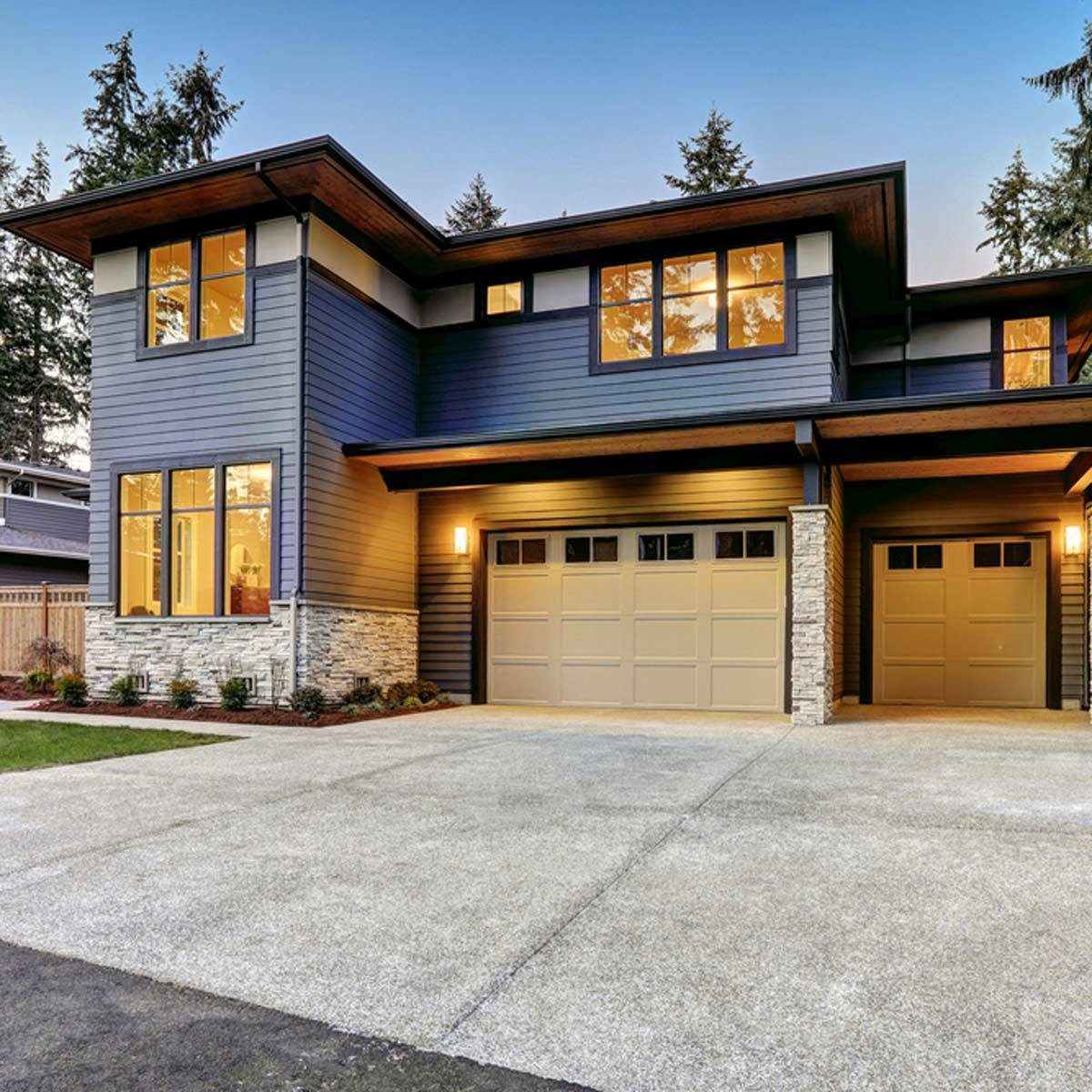 12 trending home exterior colors the family handyman for Home outdoor colour