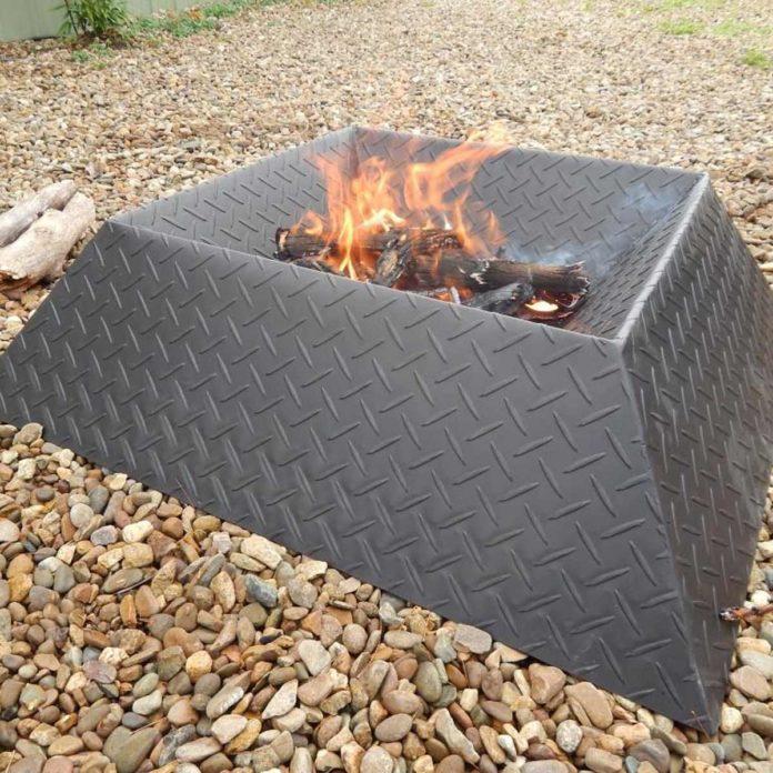 12 Great Backyard Fire Pit Ideas