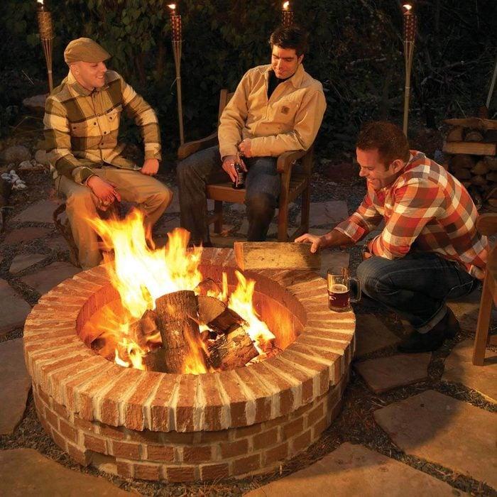 Cool Fire Pit Ideas: Simple Brick Design
