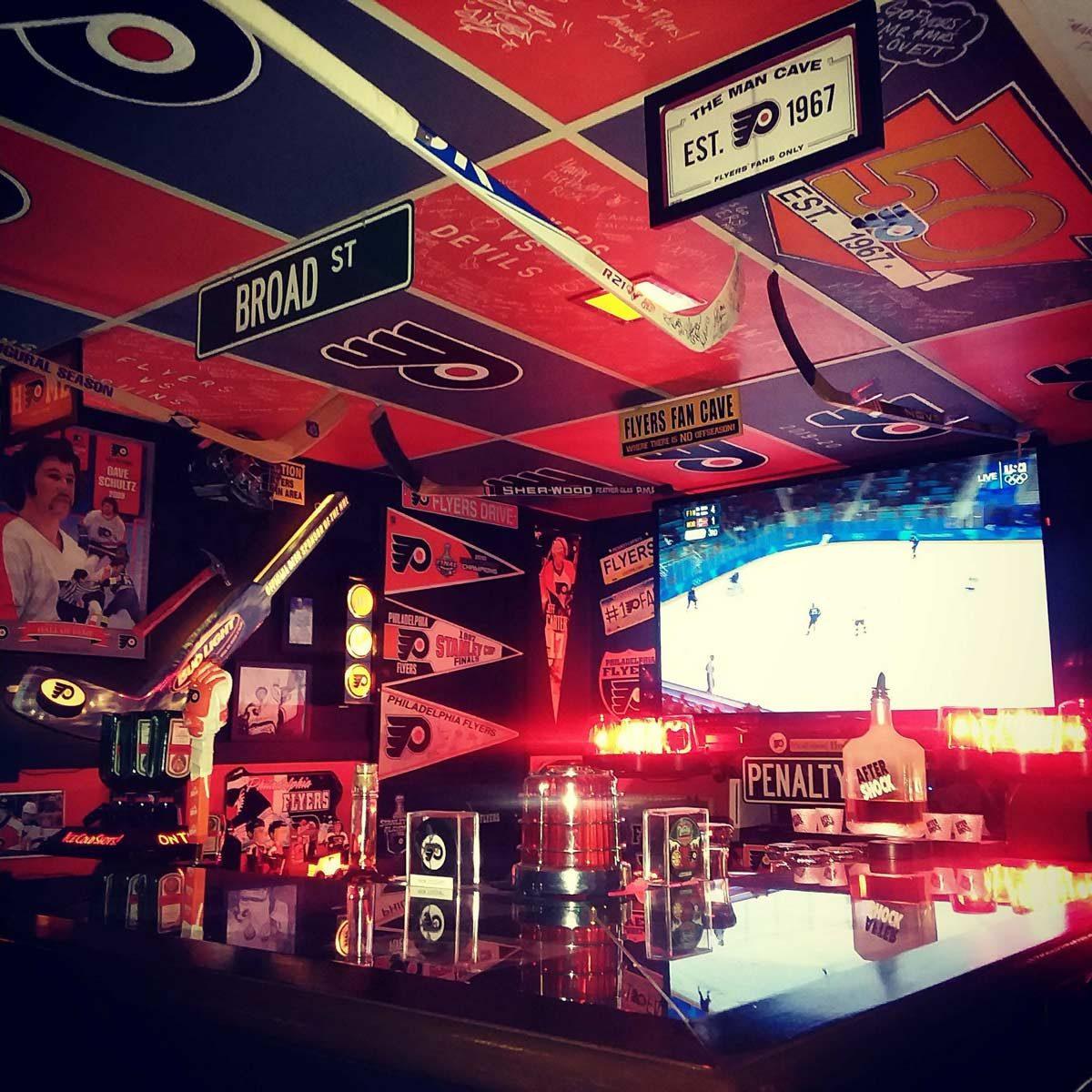 Slinger's Broad Street Bar/Fan Cave