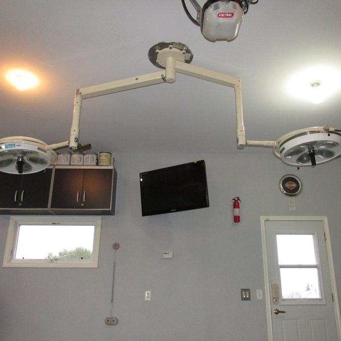 Medical-Lights-in-Garage